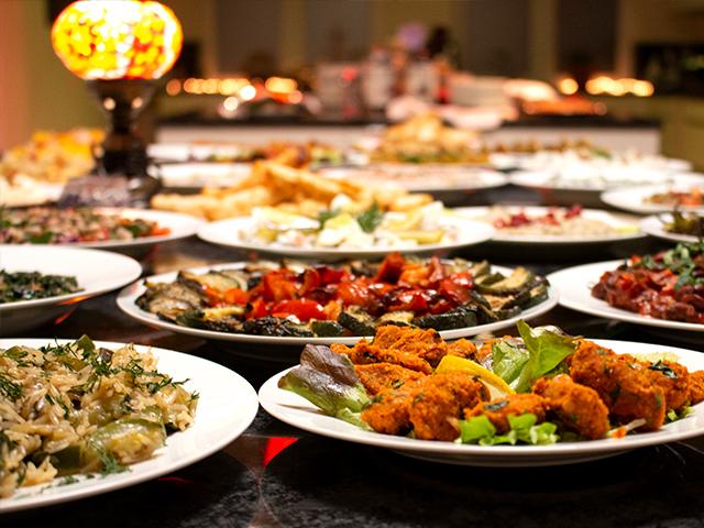 Mezze Buffet - Dileks feine Küche in Wentorf